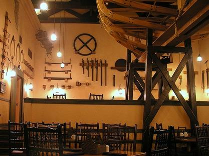 Boatwright's Dining Hall by rickpilot_2000