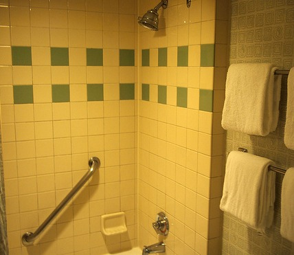 Pop Century shower by rickpilot_2000
