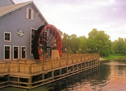 Port Orleans Water Wheel by rickpilot_2000